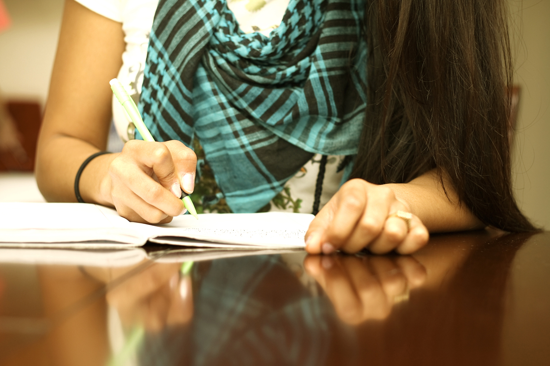 Scrivere per la professione, guida alla redazione deontologica di testi funzionali